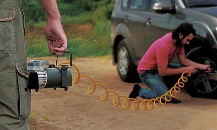 От правильного выбора компрессора зависит сможете ли вы быстро и качественно накачать спустившую шину и продолжить свой путь