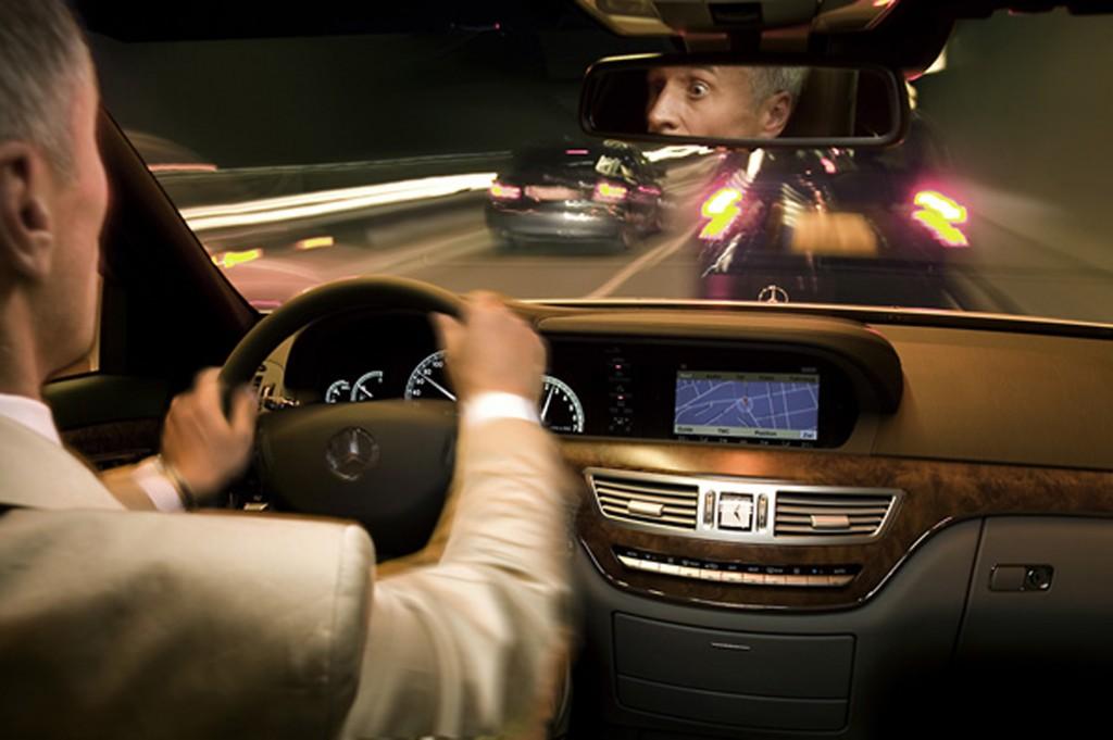 При управлении автомобилем автоматическая коробка передач имеет свои преимущества