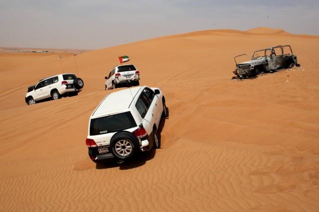 По пустыне особенно на бензиновом ДВС не попутешествуешь