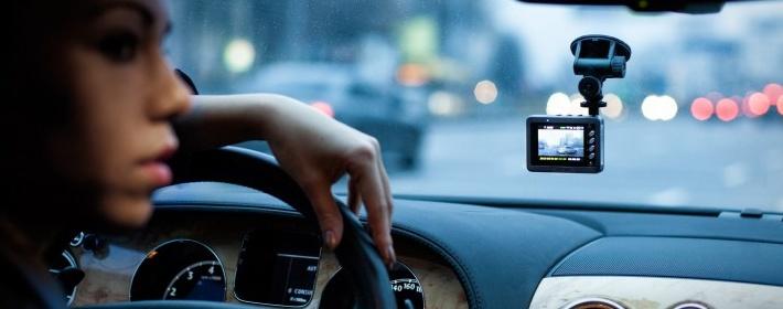 Как выбрать видеорегистратор для автомобиля 2016