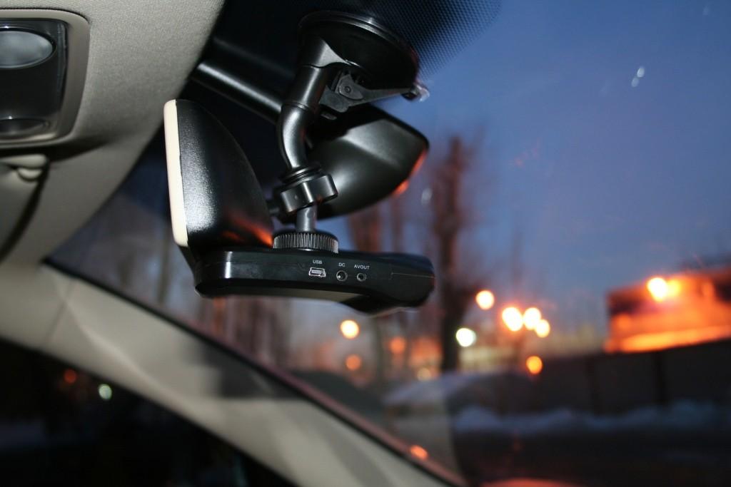 Какой выбрать видеорегистратор в машину