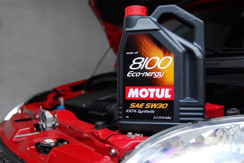 Моторное масло Motul