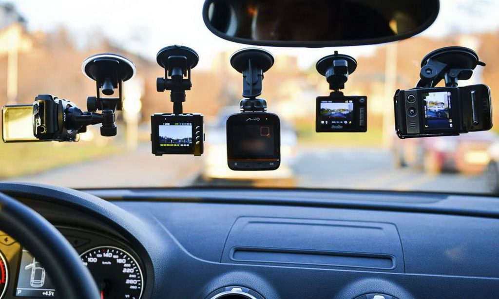 Видеорегистраторы автомобильные какие лучше отзывы цены