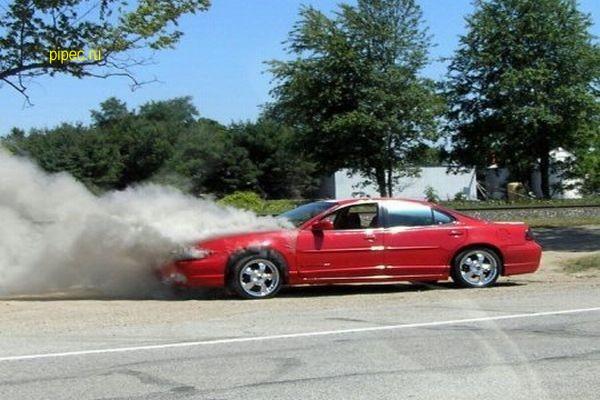 Новый вид мошенничества: «Вы дымите! Можно взглянуть на ваш автомобиль?»