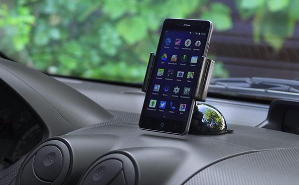 Телефон в помощь. Самые полезные приложения для автомобилистов